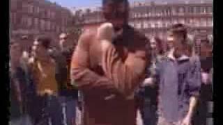 Watch El Chivi Radical video