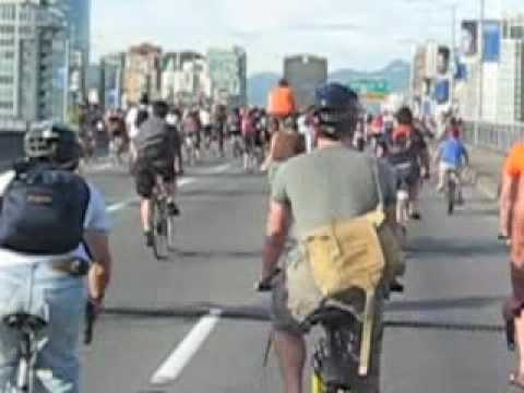 Critical Mass Vancouver 27 July 2007 (pt1)