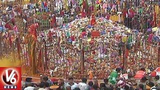 Devotees Throng To Medaram Sammakka Sarakka Jatara | Warangal