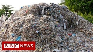 Western plastics 'poisoning Indonesian food chain' - BBC News