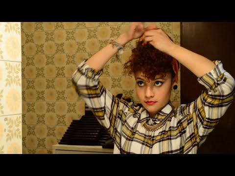 peinados pin up para cabello rizado