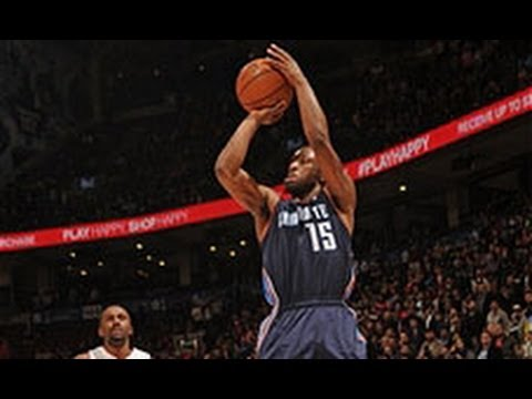 Kemba Walker Hits the Buzzer Beater in OT to Beat the Raptors