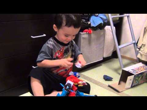 Kid Playing with Toys, Aden Made a New Robot with Smaller Power Ranger Robots