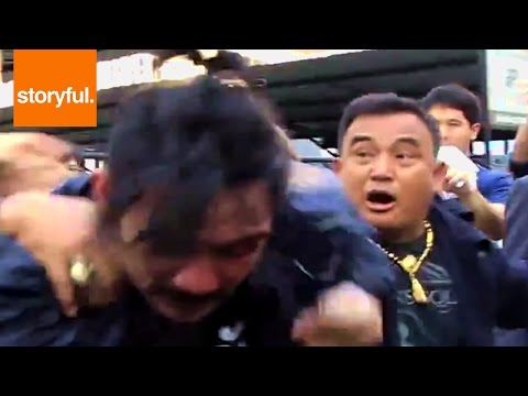 Thai Politician Fighting With Protester