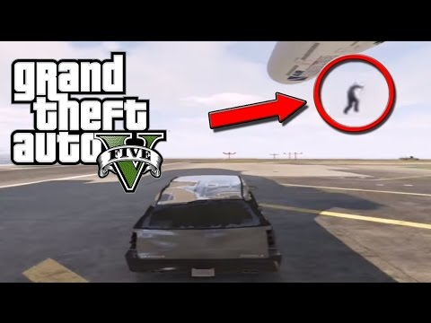 PILOT JUMPS OUT BEFORE THE PLANE CRASHES GTA5