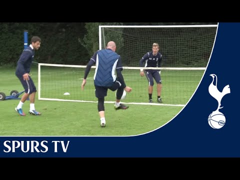 Tottenham's Brad Friedel and Carlo Cudicini playing Football Tennis | Training With Spurs