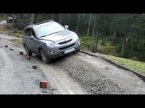 2011 Opel Antara SUV offroad