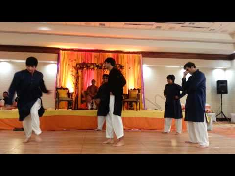 Mohib Ahmed Hamid and co dance | Desi Thumka | Mehndi | Wedding...