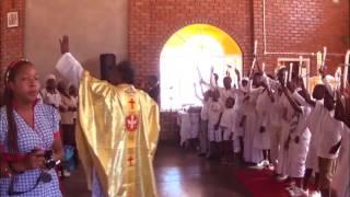 Zimbabwe Catholic Ndebele Songs -  Ayeza Makholwa Amatsha