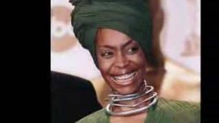 Watch Erykah Badu Booty video