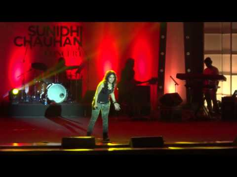 Sunidhi Chauhan live in concert hyderabad 12-oct-13 part 1(HD)