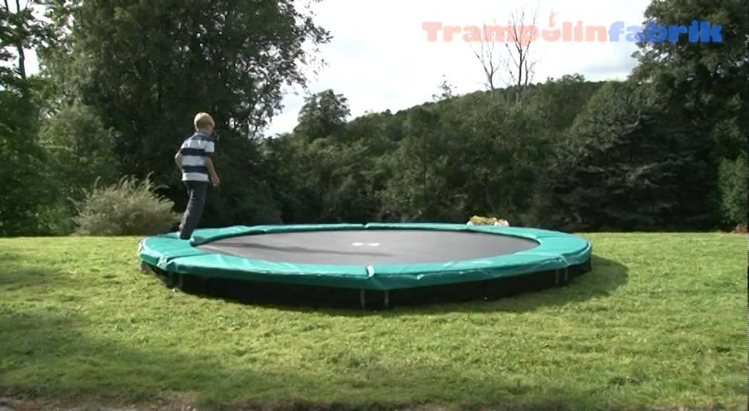 inground trampolin berg toys trampolinfabrik youtube. Black Bedroom Furniture Sets. Home Design Ideas