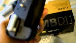 Nikon D7000 Battery Grip.flv