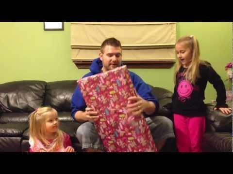 Grims Toy Show episode 23: WWE wrestling action figures christmas spectactular Mattel toysrus