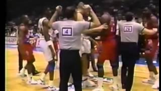 Derrick Coleman vs Armen Gilliam fight - Sixers @ Nets - 1992/93