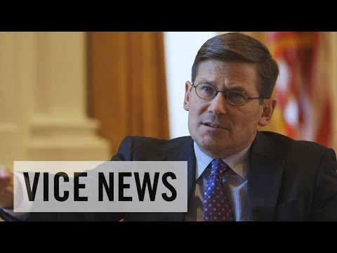 Former CIA Deputy Director Apologizes for Flawed Iraq War Intel