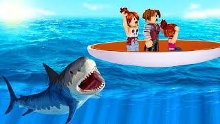 Roblox - FUGINDO DOS TUBARÕES em FAMÍLIA (Shark Bite)