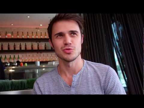 Little Pawns Interviews Kris Allen! Music Videos