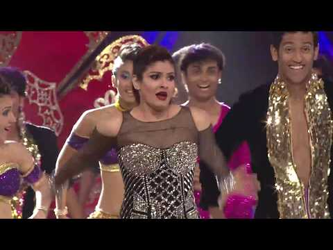 download lagu Govinda - Raveena Come Together To Perform On Stage gratis