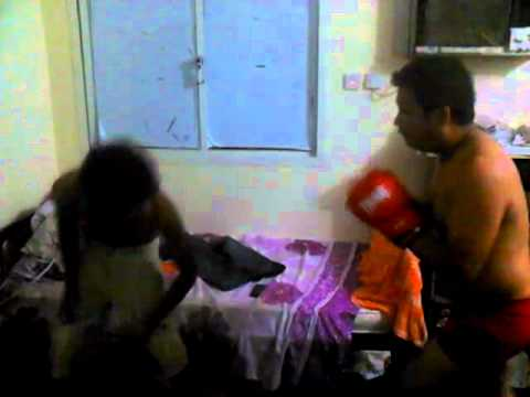 Sri Lankan & Philipino Fighting From Qatar video