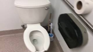 PUBLIC RESTROOM REVIEW- Petco Animal Supplies (Cranberry Township, PA)