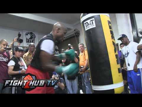 Floyd Mayweather Jr. vs. Canelo Alvarez-Mayweather full heavy bag workout Image 1