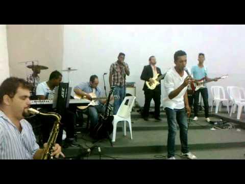 Banda UPR interpreta a musica Agnus dei com voz e arranjosdo cantor Emanuel Oliveira