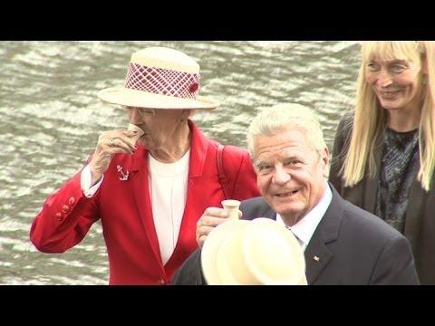 Königin Margrethe von Dänemark: Trinkt einen Kurzen mit Joachim Gauck