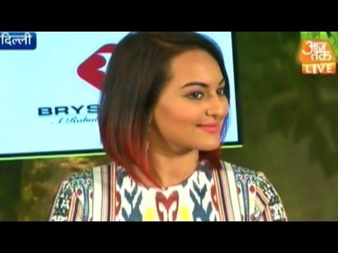 Sonakshi Sinha- Arjun Kapoor at Agenda Aaj Tak