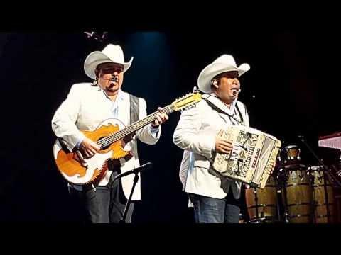 Pesado Houston 2013 Cuando Estas De Buenas video