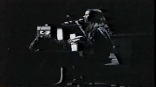 Watch 10000 Maniacs The Painted Desert video