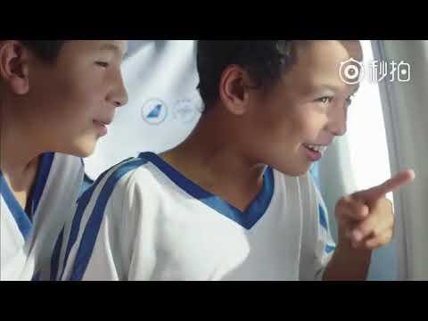 【這,才是中國足球的希望!】改編自真人真事的維吾爾足球廣告,金馬獎導演執導,講述了在塔克拉瑪幹沙漠中一群孩子純粹的足球夢,在最艱苦的環境中有最高昂的熱情,看完令人落淚