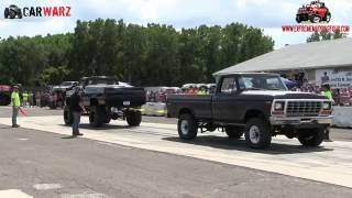 Black Chevy Vs Grey Ford At Truck Warz Tug Of War 2016