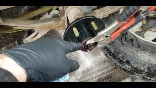 How to replace the wheel hub spindle on a trailer axle, wheel bearing assembly