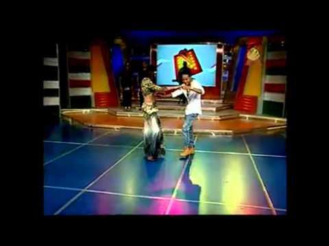 Mozart La Para Bailando Salsa Con Ibelka Ulerio En Aqui Se Habla Español