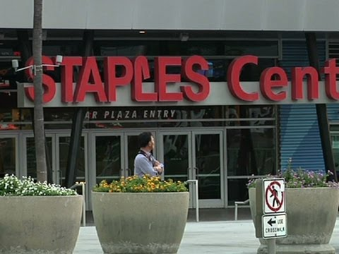 Fans Applaud Clippers' Reported Sale