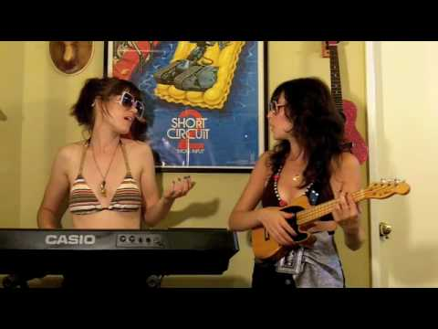 Thumb 2 girls with a Short Circuit poster sing Hot N&#8217; Cold by Katy Perry