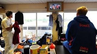 Virat Kohli returning to dressing room in wankhede!!