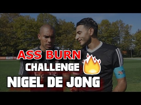 ASS BURN CHALLENGE VS NIGEL DE JONG ( AC MILAN )
