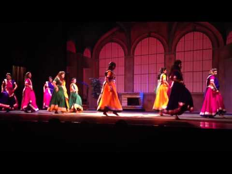 Chalka Chalka dance performance
