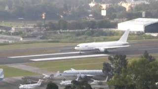 767 Taking off from La Aurora