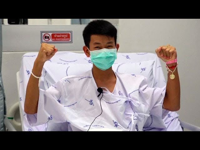 Thai boys thank rescuers from hospital