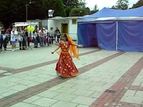 Anshu Firakes solo dance at Hemel Hempstead Summer Fair Rangilo...