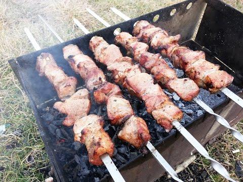 Как лучше мариновать шашлык из свинины