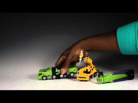 MakeToys Giant Vs. TFC Hercules: Round 1 - Vehicle modes.