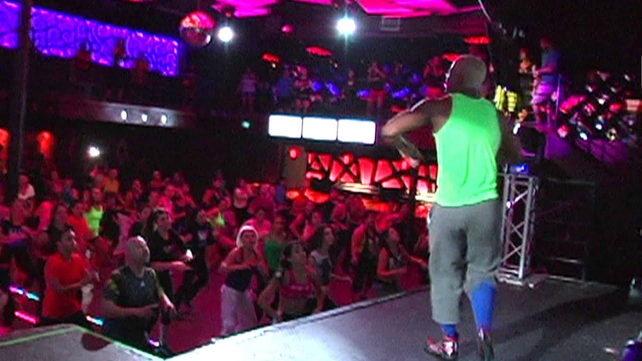Zumba w tremain linson studio vida club rio san for Miroir nightclub rio