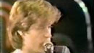 Watch Hall  Oates Intravino video