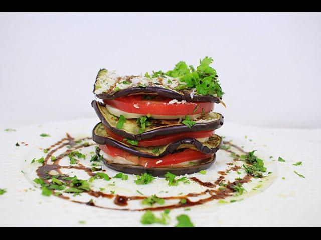 Тёплый салат с баклажанами, томатами и моцареллой ПП