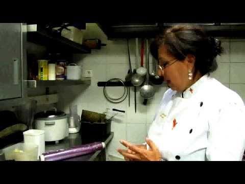 Receta de cocina peruana con Lourdes Centty Pluvinage : Causa Rellena. 1r parte.