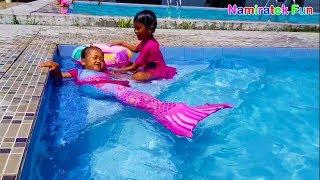 Anak Putri Duyung Suka Belajar Berenang mermaid style Fin Fun - Fun Kids Learn Swimming Underwater